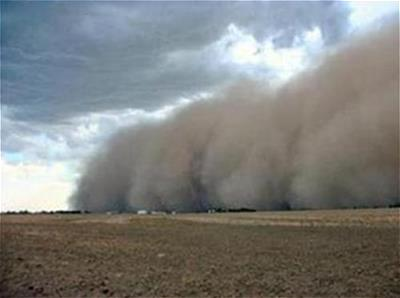 Dust storm in Colby, KS in 2004